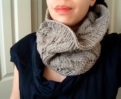 Sweaterbabe Cowl | by The Knitting Glaistig