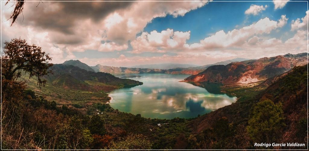 Panorama Laguna De Ayarza Santa Rosa Guatemala Esta