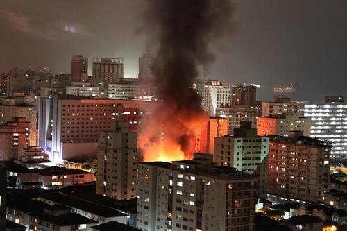 Incêndio no Gonzaga (Santos - SP - Brasil)