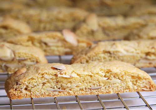 Almond Biscotti | by Croquer a pleines dents
