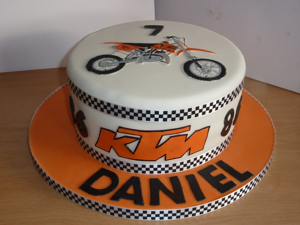 Ktm Cake Was Asked To Do This Ktm Cake And Given A