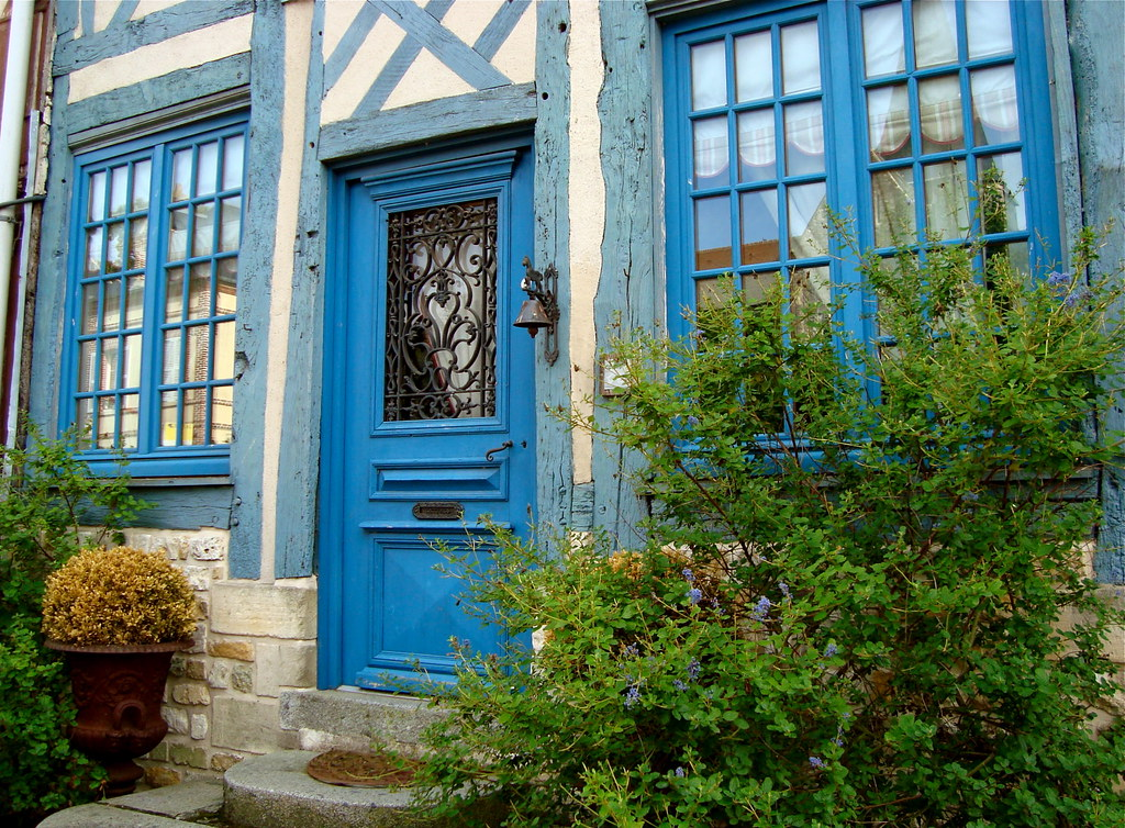 Une maison bleue see where this picture was taken michele mp flickr - Chanson une maison bleue ...
