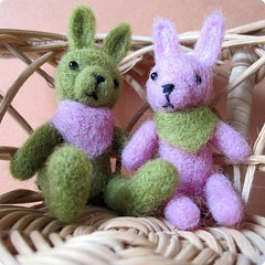 Needle felted bunnies | by nallemama