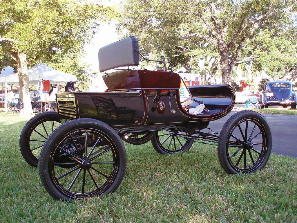Curved dash oldsmobile olds motor works lansing michiga for Motor cars lansing mi