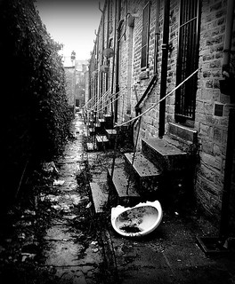 Unkempt Alleyway | by david_pics