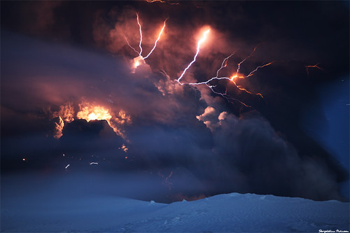 Cracks of Doom - Eyjafjallajökull Volcano Eruptions | by skarpi - www.skarpi.is