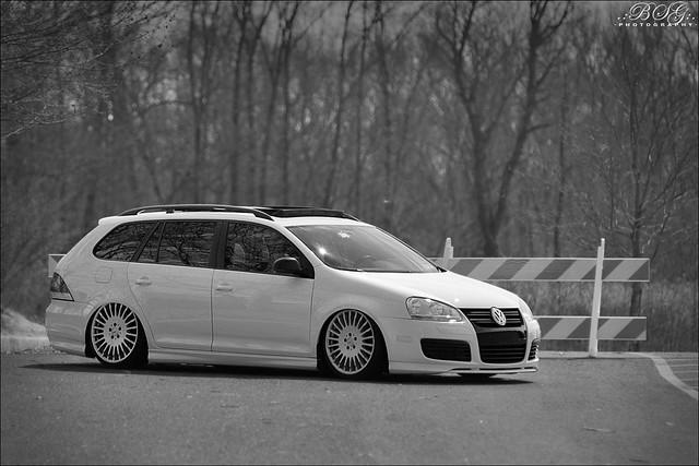 MK5 Jetta Wagon | Steve's MK5 Jetta Wagon bagged on Mercedes… | Flickr