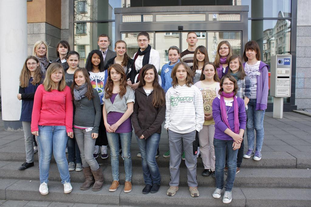 Girlsday gruppenbild 18 sch lerinnen kamen dieses jahr for Ihk offenbach