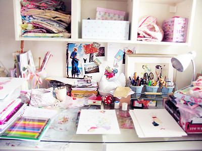 Girly desk hollywoodeyes2013 flickr - Girly office desk accessories ...