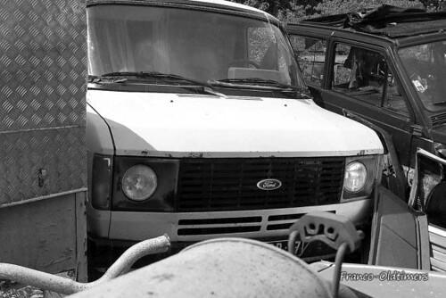 Ford transit mk2 taken in a garage in the haute vienne for Garage ford vienne
