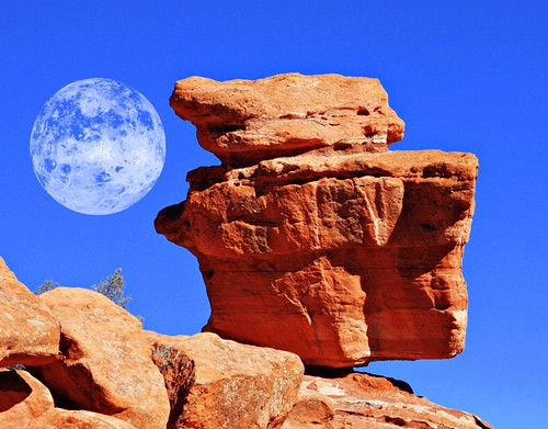 Balancing Rock at Entrance of Garden of the Gods Park | Flickr