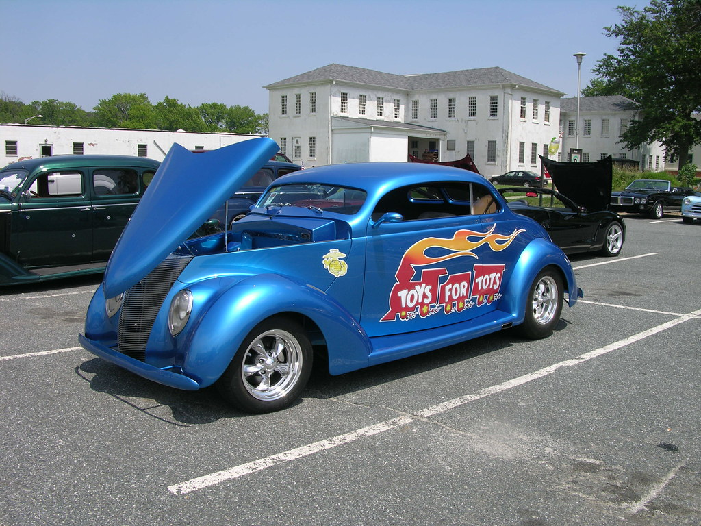 Classic Car Maintenance : Classic car maintenance restore an old autocars