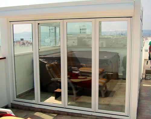 Caseta de aluminio y cristal esta caseta para el for Casetas para terrazas