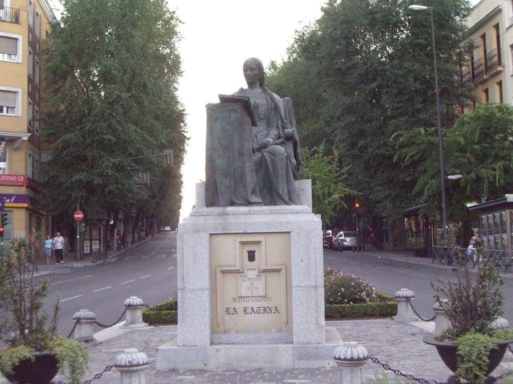 Madrid monumento a beatriz galindo la latina - Inem puerta del angel ...