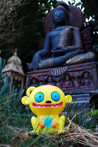 Uglyworld #417 - Yoya Meets The Buddha (90-365) | by www.bazpics.com