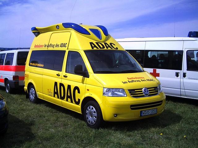 vw ambulance mobile adac a volkswagen ambulance. Black Bedroom Furniture Sets. Home Design Ideas