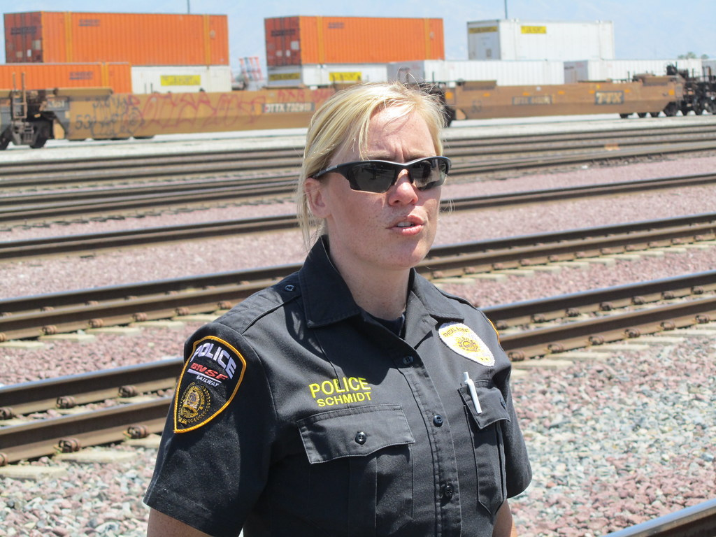 how to become a railway officer