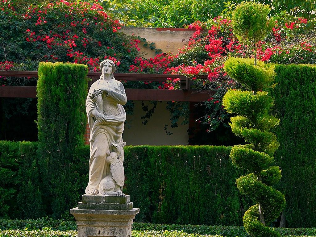 Flora en el jard n del real en valencia tambi n conocido Viveros y jardines
