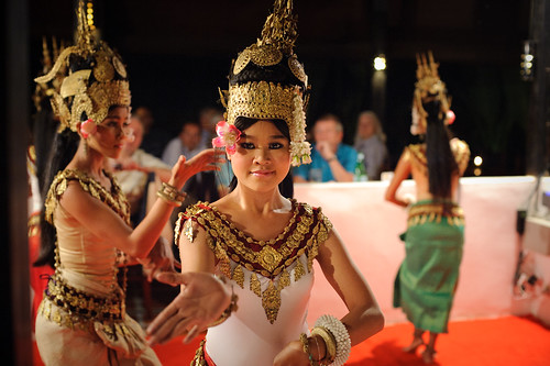 Krousar Thmey Apsara Dancer | by goingslowly