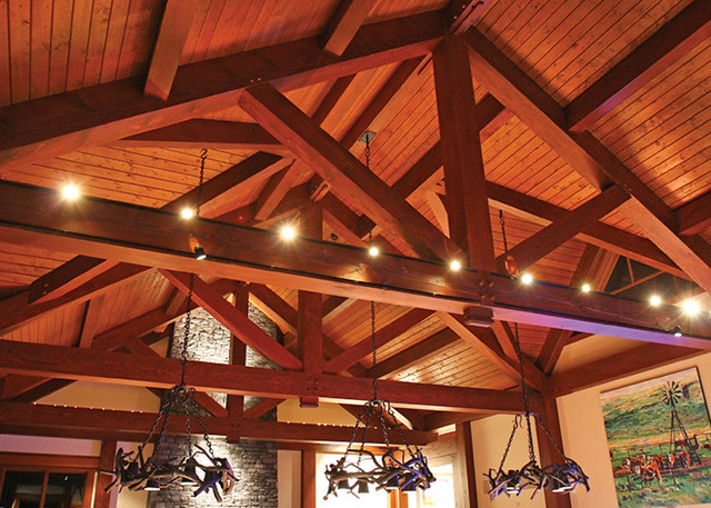Red deer ranch timber frame home vaulted ceiling flickr for Vaulted ceiling trusses