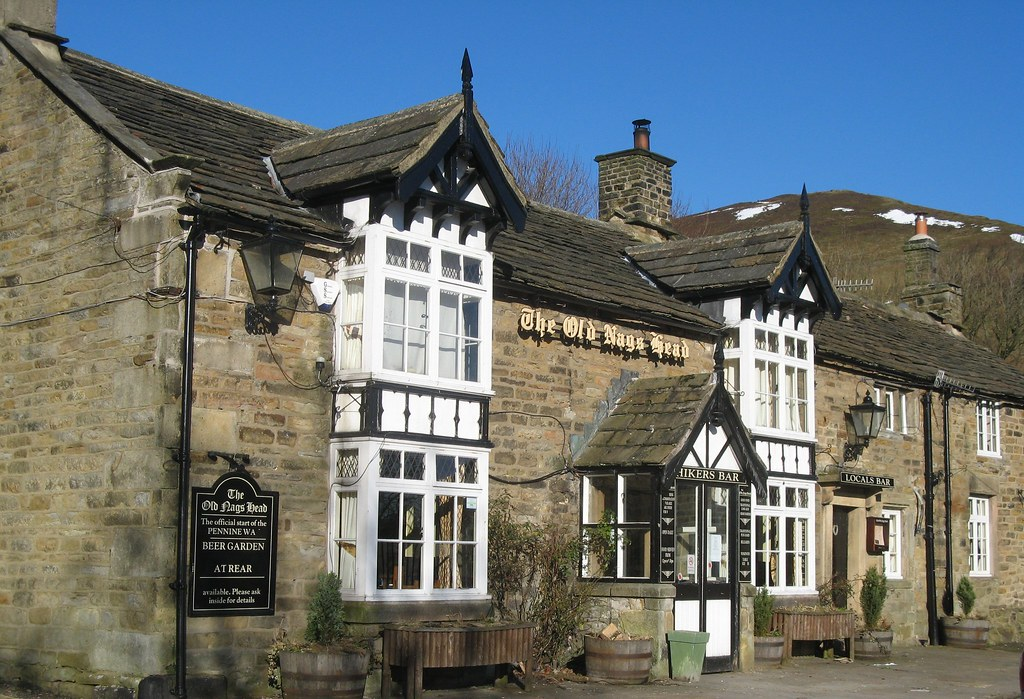 Old Nags Head Pub in Edale, Start of the Pennine Way Peak ...