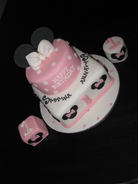 Minnie Mouse 1st birthday cake with twin smashies  Flickr - Photo ...