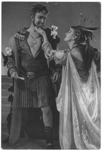 0024 Michael Redgrave (Antony) & Peggy Ashcroft (Cleopatra)_RST; 24. Photo Angus McBean | by Performing Arts / Artes Escénicas