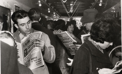 viajeros del Metro de Madrid  1960 | by Old Photographs Archive Spain