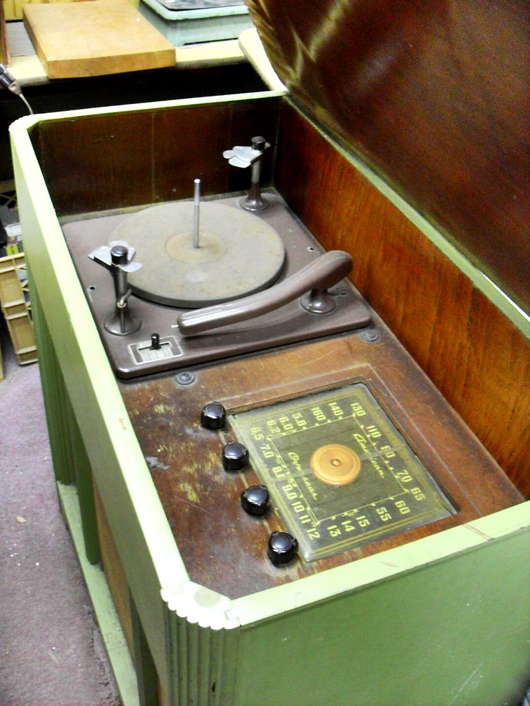 1950s Hi Fi Record Player Radio Vintage Turntable Console