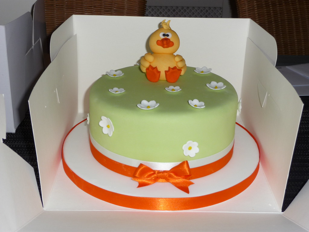 Easter Cake Design Ideas : Easter cake Easter chick cake Tracey Best Flickr
