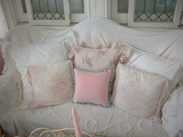 ~ Pillow Talk in the Shabby Chic style~ ~I love pillows..t? Flickr