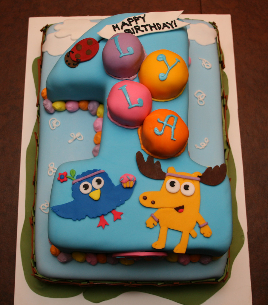 Moose Zee First Birthday Cake Lyla This Moose Zee Ca Flickr
