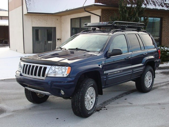 2004 Midnight Blue Pearlcoat Wj With Iro 3 Quot Lift And 265 7