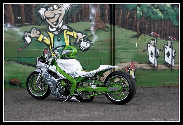 Super Bikes Motorbikes Bike: Super Street Bike Magazine April 2010 Issue