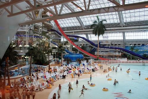 World Water Poor Largest Indoor Pool West Edmonton Mall Flickr