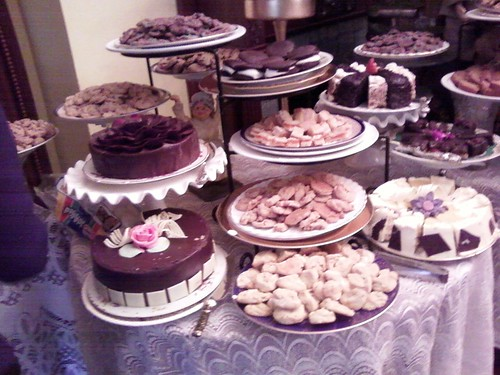 Tons of cakes! Oh my! | by claudinehellmuth