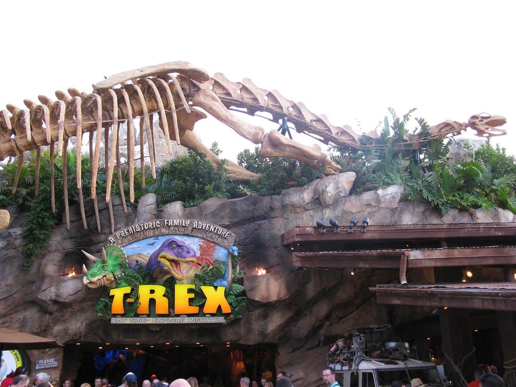 T rex a prehistoric family adventure t rex the for T rex family
