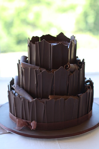 how to make a 3 tier chocolate wedding cake three tier chocolate cake waiting fresh flowers 15775