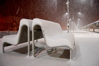 2009-02-01e Snow On Bench | by [Ananabanana]