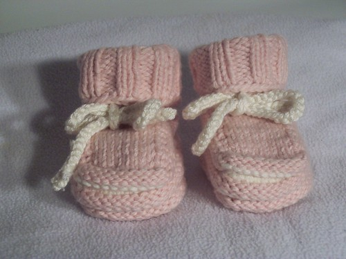 Norse-Borgen Solid Pink Baby Booties (Girl's) | by handmaidenbymaria