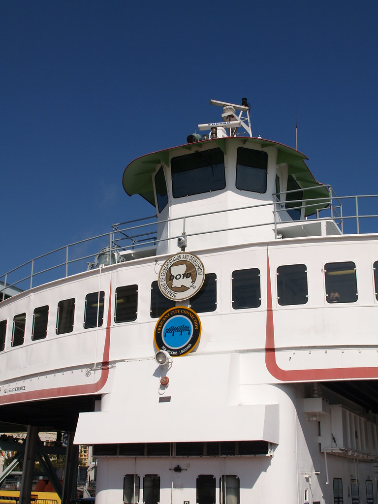 City ferry boat sitting in the mississippi river 2010 Building