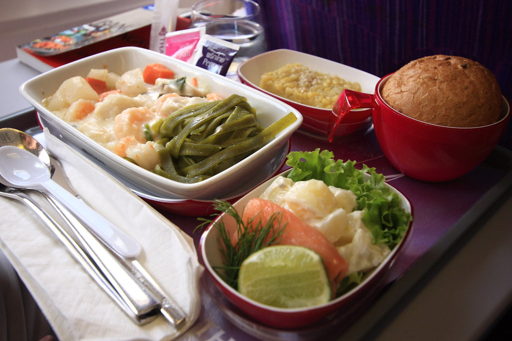 Inflight meal thai airways special seafood meal for Air thai cuisine