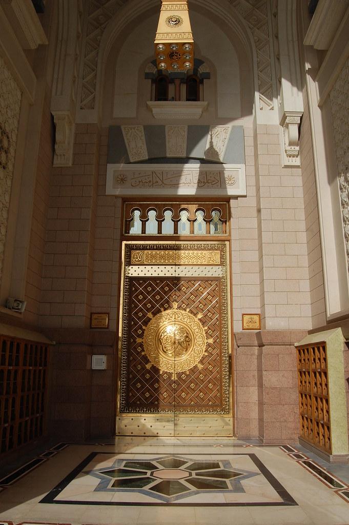 ... King Abdul Aziz gate (door #35) of the Al-Masjid al- & King Abdul Aziz gate (door #35) of the Al-Masjid al-Nabawiu2026 | Flickr