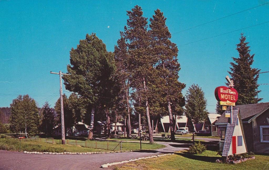 Wood River Motel - Fort Klamath, Oregon