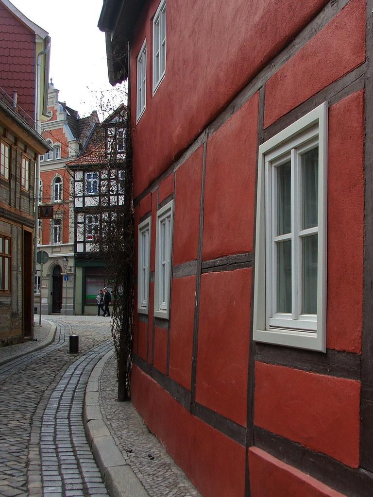 Rotes fachwerk quedlinburg sachsen anhalt sabize flickr for Fachwerk 3d