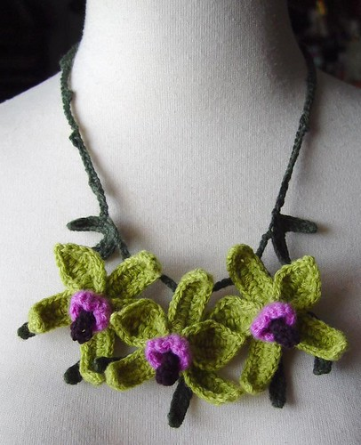 Crochet Green and Purple Orchid Flowers Necklace | by meekssandygirl