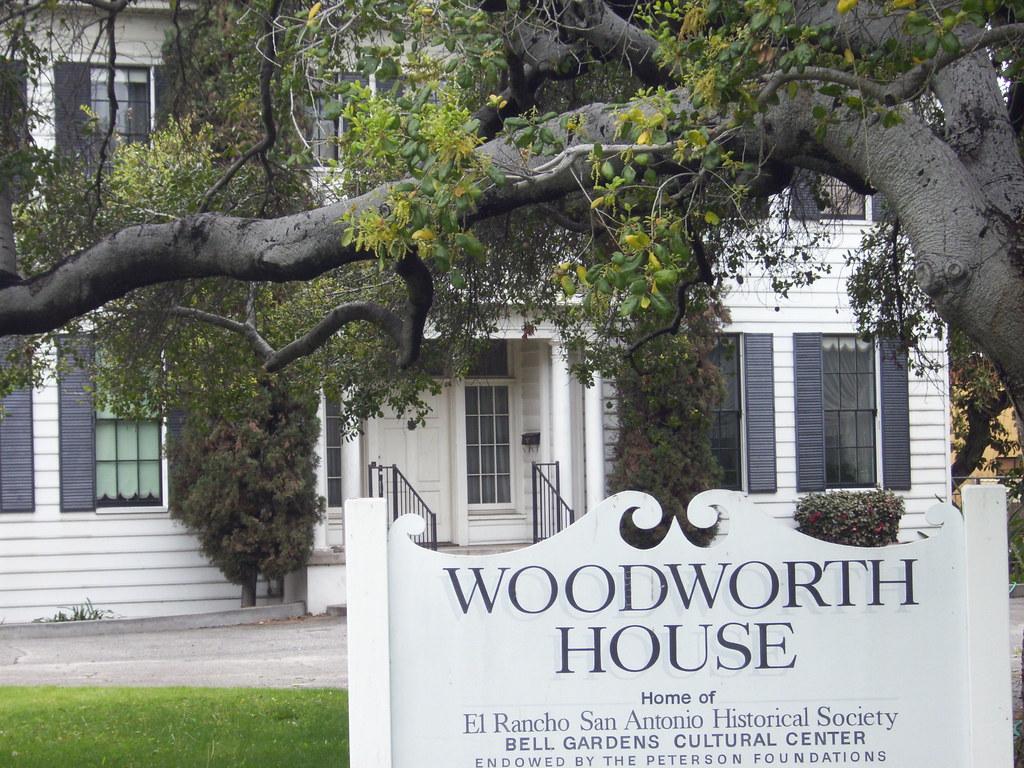 Woodworth House 6820 Foster Bridge Rd Bell Gardens Hist