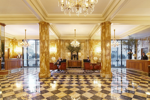 Sumptuous And Luxury Lobby With Checkered Black And White