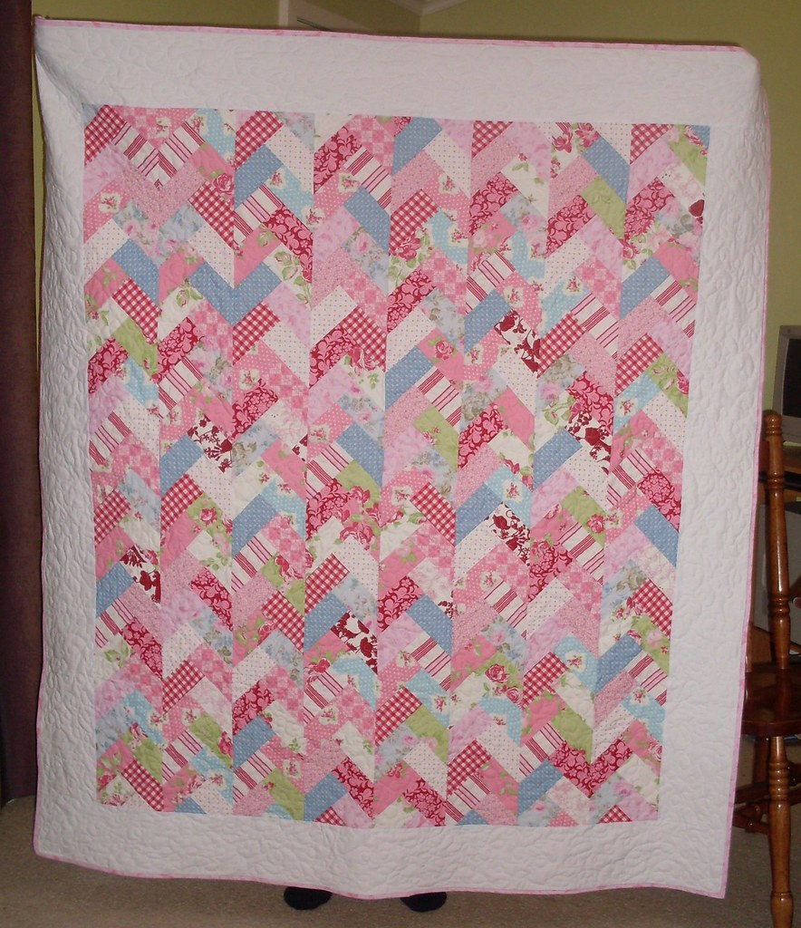 Friendship Braid Quilt Made Is Shabby Chic Colours For A C Flickr
