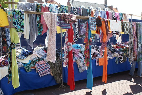 lappenkraam op de markt | by dutch blue